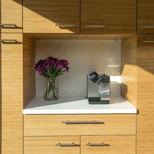 Modern Lambertville Kitchen with Ultracraft 6