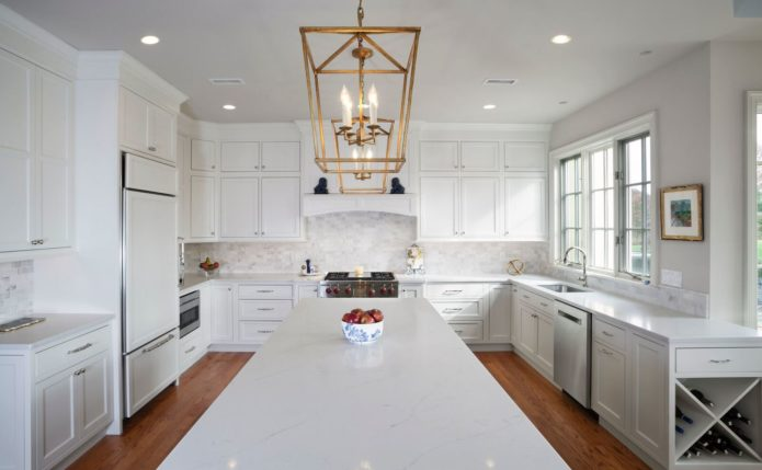 Newtown Kitchen with StarMark Cabinetry