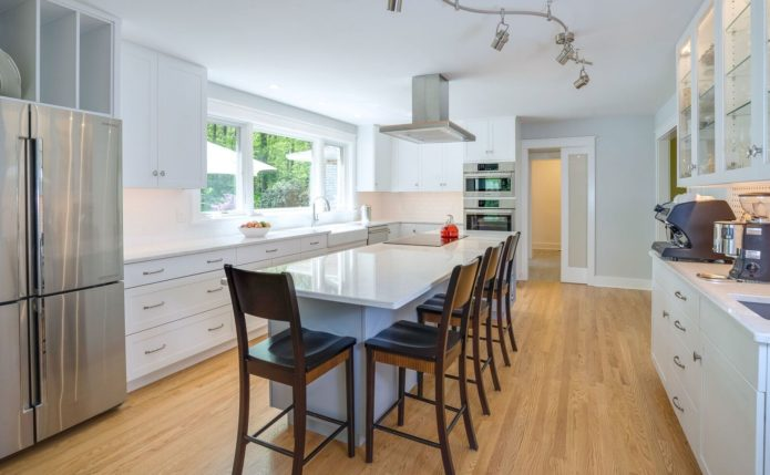 Upper Bucks Contemporary Kitchen with Ultracraft