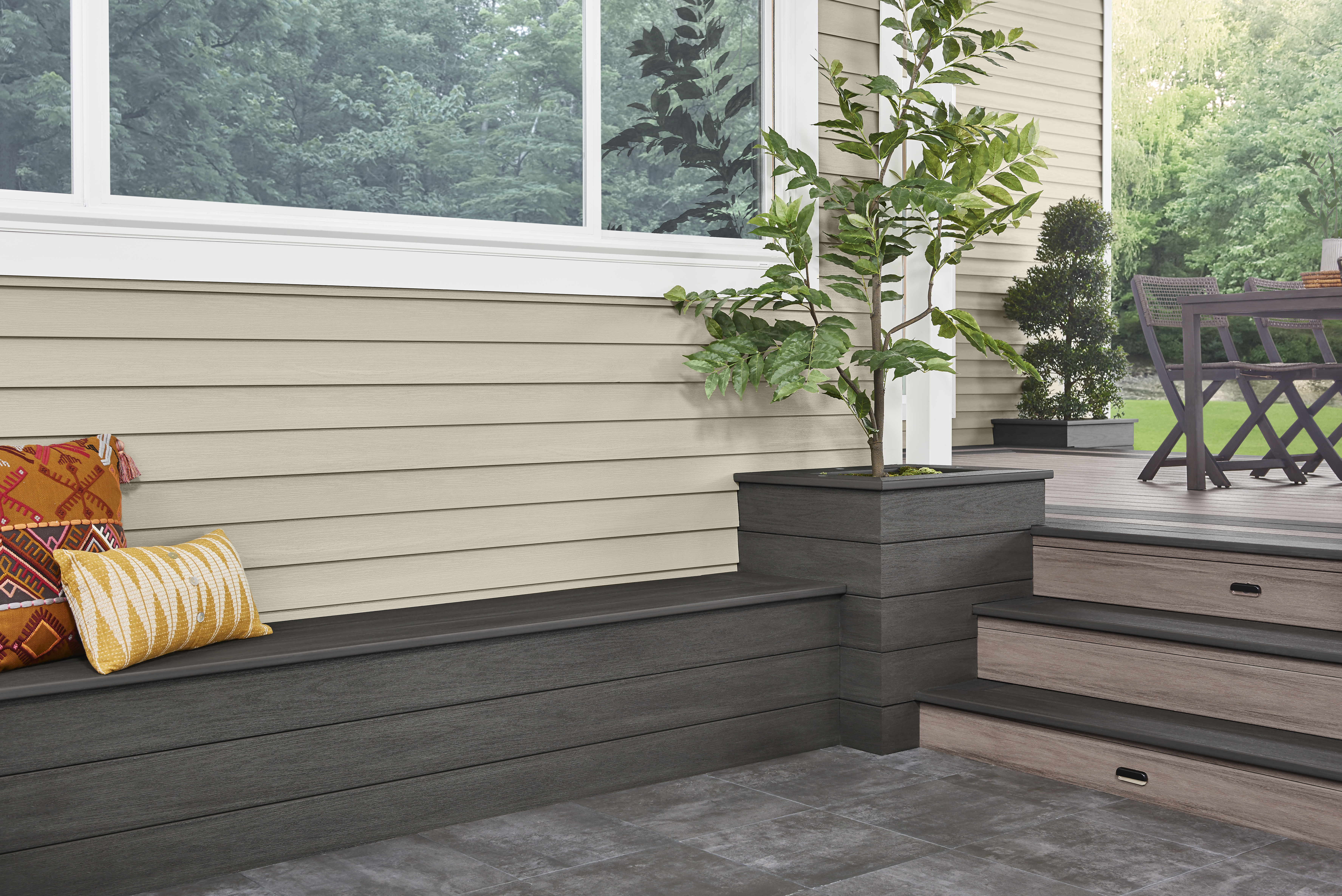 Wolf Portrait Siding in Vintage Taupe